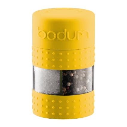 Мельница для соли и перца Bodum Bistro, цвет: желтый9804Мельница для соли и перца Bodum Bistro, выполненная из прозрачного стекла и пластика, резины и металла, позволяет солить и перчить одновременно - это превосходное партнерство. В верхней части мельницы имеется силиконовая вставка. Мельница легка в использовании: одним поворотом силиконовой части мельницы приспособление переключается с солонки на перечницу, и вы сможете поперчить или добавить соль по своему вкусу в любое блюдо. Прочный керамический механизм позволяет молоть практически без усилий.Благодаря прозрачной конструкции легко определить, когда соль или перец заканчиваются.Оригинальная мельница модного дизайна будет отлично смотреться на вашей кухне.