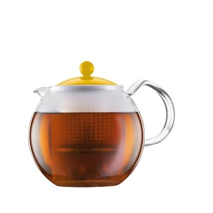 Чайник заварочный Bodum Assam, с фильтром, цвет: желтый, 1 л68/5/4Заварочный чайник Bodum Assam изготовлен из высококачественного стекла, пластика и нержавеющей стали. Изделие оснащено фильтром, благодаря которому задерживает чаинки и предотвращает попадание их в чашку. Прозрачный корпус обеспечивает легкую очистку. Чайник поможет заварить крепкий ароматный чай и великолепно украсит стол к чаепитию. Можно мыть в посудомоечной машине.