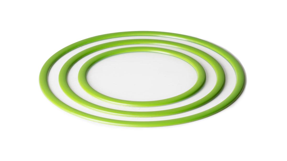 Набор крышек SiliconeZone, цвет: зеленый, 3 шт115510Набор вакуумных крышек SiliconeZone состоит из 3 крышек, выполненных из силикона. Они идеально подходят для накрывания мисок, чашек и других контейнеров. Крышки плотно прилегают к краям емкости, ограничивая доступ воздуха внутрь, благодаря этому продукты останутся свежими гораздо дольше. Изделия подходят для использования в микроволновой печи, духовке и посудомоечной машине. Крышки прекрасно подойдут для замораживания продуктов.Диаметр крышек: 17 см; 22,4 см; 27,7 см.