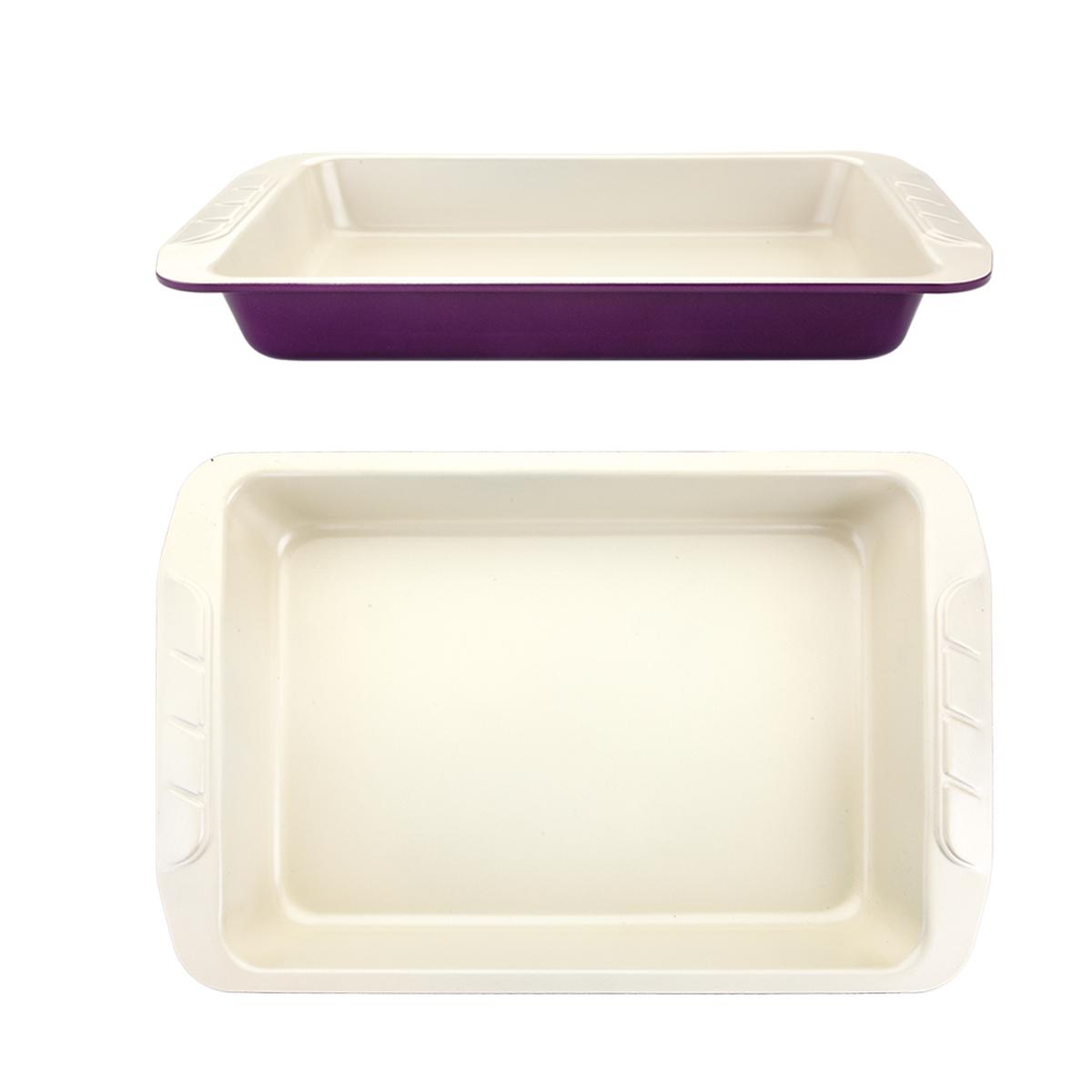 Форма для выпечки Augustin Welz, с керамическим покрытием, цвет: бежевый, фиолетовый, 40 х 25,5 х 5 см2100067165Форма Augustin Welz будет отличным выбором для всех любителей домашней выпечки. Особое высокотехнологичное антипригарное покрытие обеспечивает моментальное снятие выпечки с противня, его легкую очистку после использования. В форме используется углеродистая сталь 0,8 мм с керамическим антипригарным покрытием без содержания политетрафторэтилена и перфтороктановой кислоты.Форма выдерживает температуру от 230°C - 450°C. Подходит для использования в духовке. Можно мыть в посудомоечной машине, не рекомендовано использование абразивных чистящих средств. Использовать только пластиковые, деревянные или силиконовые аксессуары.Для смазывания и присыпки противня следуйте рецепту или инструкции на упаковке полуфабрикатов. Не рекомендуется использовать кулинарные спреи. С такой формой вы всегда сможете порадовать своих близких оригинальной выпечкой.