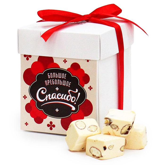 Конфеты Вкусная помощь Спасибо, 125 гШД166.60-1215Коробка конфет Спасибо - это вкуснейшие шоколадные конфеты в оригинальной подарочной упаковке. Помогать легко и приятно, но благодарить за хорошие дела не так то и просто! Порою очень сложно подобрать правильные слова и действия. Просто сказать «Спасибо» тоже можно, но попробуйте сказать Спасибо на разных языках, подарив при этом коробку шоколадных конфет со вкусом сливок и орехом.Такая подарочная коробка просто незаменима, если срочно нужно кого-то отблагодарить.Состав: какао порошок,заменитель какао масла, лецитин, ароматизаторы идентичные натуральным Шоколад, Ванильный и др.