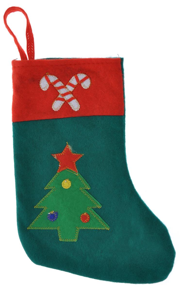 Новогоднее подвесное украшение Феникс-Презент НосокRSP-202SНовогоднее украшение Феникс-Презент Носок отлично подойдет для декорации вашего дома. Украшение выполнено из полиэстера в виде носка для подарков и оформлено аппликацией в виде новогодней ели.Вы можете подвесить его в любом месте, где оно будет удачно смотреться, и радовать глаз. Кроме того, это украшение - отличный вариант подарка для ваших близких и друзей. Новогодние украшения всегда несут в себе волшебство и красоту праздника. Создайте в своем доме атмосферу тепла, веселья и радости, украшая его всей семьей.