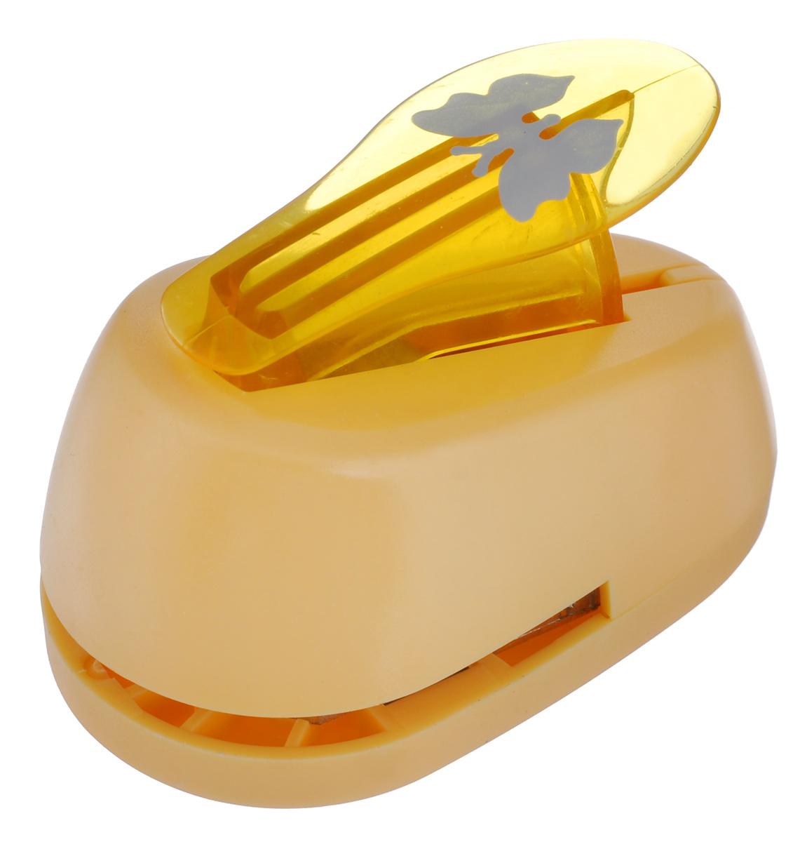 Дырокол фигурный Hobbyboom Бабочка, №2, цвет: оранжевый, 2,5 х 2 см36915Фигурный дырокол Hobbyboom Бабочка предназначен для создания творческих работ в технике скрапбукинг. С его помощью можно оригинально оформить открытки, украсить подарочные коробки, конверты, фотоальбомы. Дырокол вырезает из бумаги идеально ровные фигурки в виде бабочек, также используется для прорезания фигурных отверстий в бумаге. Предназначен для бумаги определенной плотности - до 200 г/м2. При применении на бумаге большей плотности или на картоне дырокол быстро затупится. Чтобы заточить нож компостера, нужно прокомпостировать самую тонкую наждачку. Чтобы смазать режущий механизм - парафинированную бумагу. Порядок работы: вставьте лист бумаги или картона в дырокол и надавите рычаг. Размер вырезаемой части: 2,5 см х 2 см.