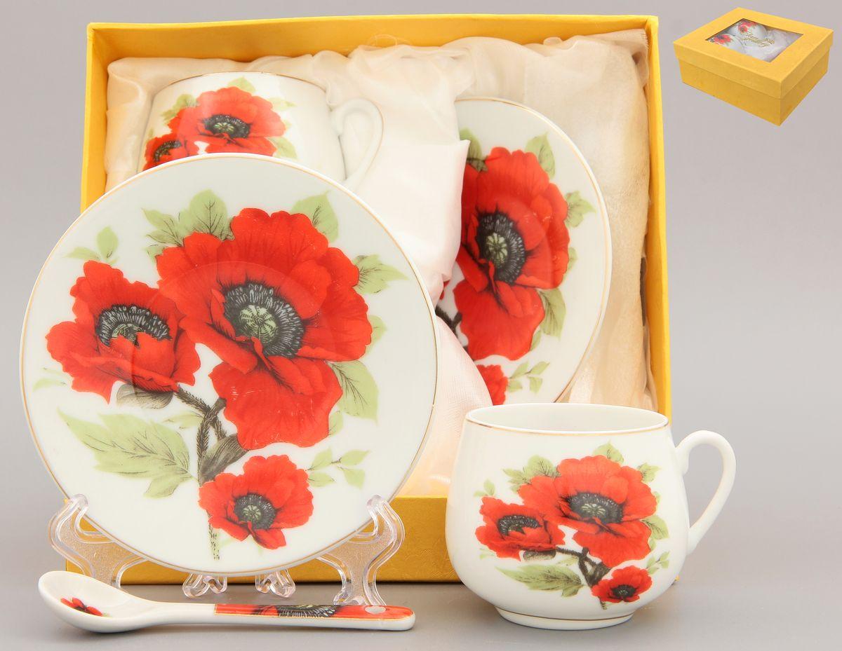 Кофейная пара Elan Gallery Маки, 4 предмета с ложками115510Кофейная пара Elan Gallery Маки на две персоны подойдет для любителей кофе. В комплекте две чашки объемом 130 мл, два блюдца диаметром 11,5 см и две ложкидлиной 10 см. Изделие имеет подарочную упаковку с шелковой подложкой, поэтому станет желанным подарком для ваших близких!