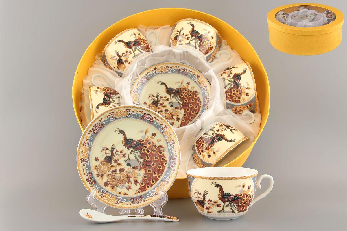 Набор чайный Elan Gallery Павлин на бежевом, 18 предметовVT-1520(SR)Чайный набор Elan Gallery Павлин на бежевом состоит из шести чашек, шести блюдец и шести чайных ложек,изготовленных из высококачественной керамики Предметы набора оформленыизящным и ярким рисунком.Чайный набор Elan Gallery Павлин на бежевом украсит ваш кухонный стол, а также станет замечательным подарком друзьям и близким.Не рекомендуется использовать в микроволновой печи. Не применять абразивные моющие вещества.Объем чашки: 250 мл.Диаметр чашки по верхнему краю: 9,5 см.Высота чашки: 6 см.Диаметр блюдца: 14 см.Высота блюдца: 2,2 см.Длина ложки: 13 см.