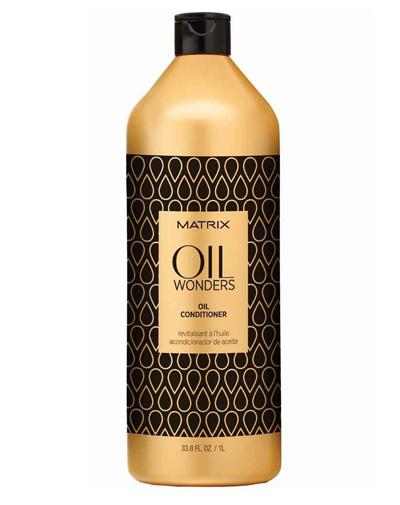 Matrix Oil Wonders Кондиционер 1 ЛFS-36054Невесомый кондиционер,обогащенный Марокканским аргановым маслом, придает дополнительное сияние, разглаживая кутикулу волоса, тем самым упрощая процесс укладки. Средство возвращает волосам дисциплину, делает их мягкими на ощупь.