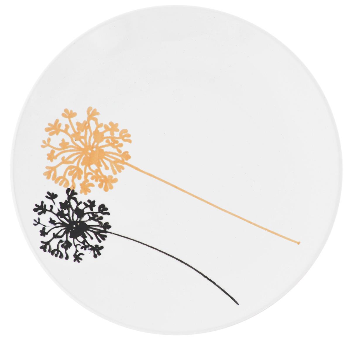 Тарелка десертная Wing Star Модерн, диаметр 20 см54 009312Тарелка десертная Wing Star Модерн изготовлена из высококачественной керамики. Предназначена длякрасивой подачи различных блюд. Изделие декорировано ярким рисунком. Wing Star - качественная керамическая посуда из обожженной, глазурованной снаружи и изнутри глины с оригинальными рисунками. При изготовлении данной посуды широко используется рельефный способ нанесения декора, когда рельефная поверхность подготавливается в процессе формовки и изделие обрабатывается с уже готовым декором. Благодаря этому достигается эффект неровного на ощупь рисунка, как бы утопленного внутрь глазури и являющегося его естественным элементом. Такая тарелка украсит сервировку стола и подчеркнет прекрасный вкус хозяйки.Можно мыть в посудомоечной машине и использовать в СВЧ. Диаметр: 20 см.Высота: 2,5 см.