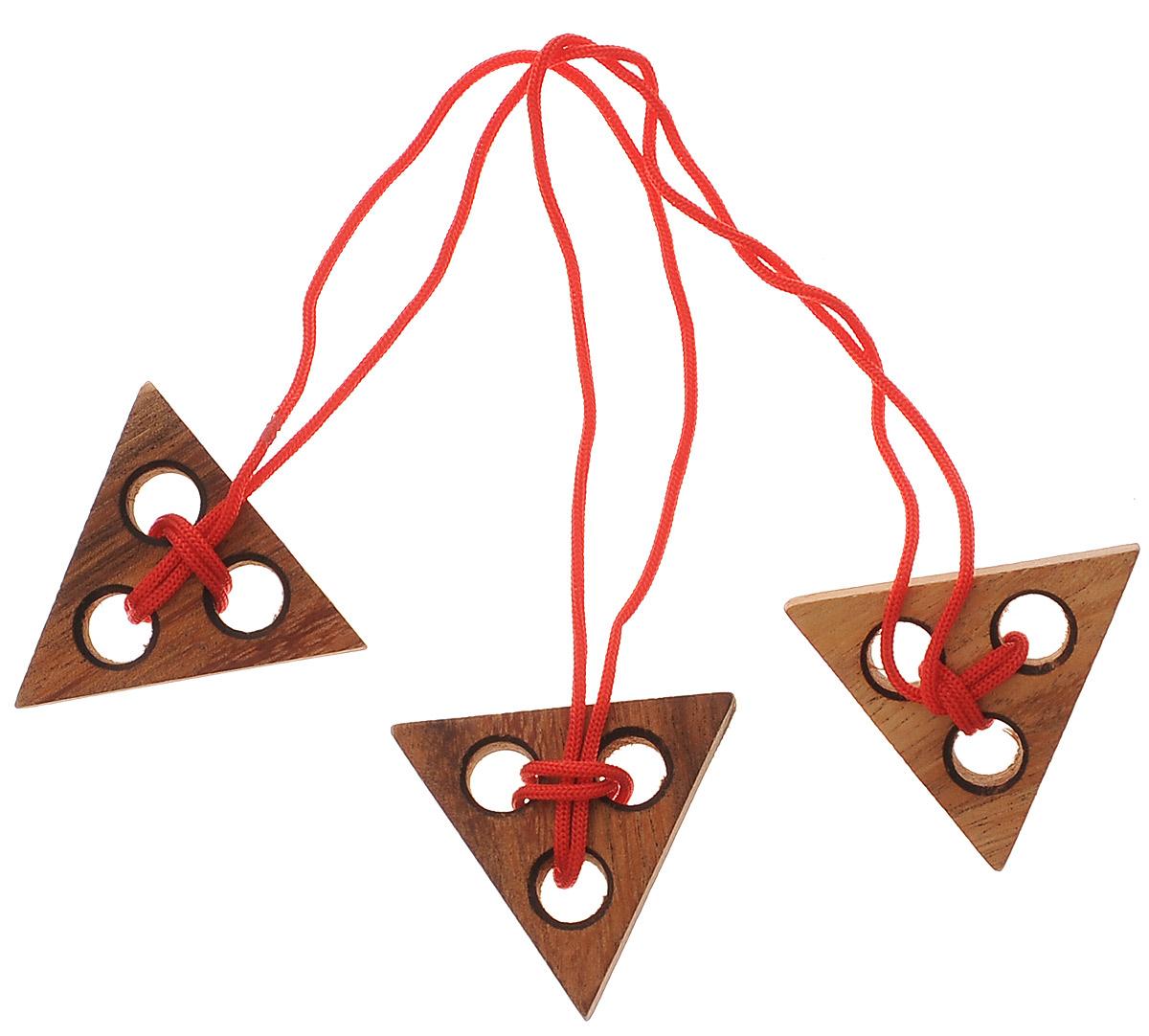 """Головоломка Dilemma """"Три треугольника"""", выполненная из дерева, станет отличным подарком всем любителям головоломок! Головоломка предусмотрена для одного игрока. Цель: освободить средний треугольник от веревки. Использование ножниц запрещено. Подсказка: не перекручивайте веревку. Получилось? Попробуйте завязать ее обратно. Слишком сложно? Воспользуйтесь подсказкой из предложенного решения. Головоломка Dilemma """"Три треугольника"""" стимулирует логику, пространственное мышление и мелкую моторику рук."""