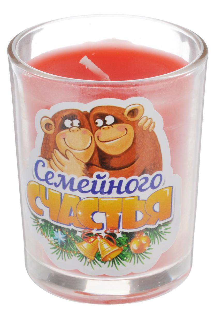 Свеча ароматизированная Sima-land Семейного счастья, высота 6 см67754_3Декоративная свеча Sima-land Семейного счастья в стеклянном стакане с праздничным принтом станет прекрасным сувениром друзьям и близким по случаю Нового года. Свеча выполнена из воска и пропитана чудесным ароматом, который наполнит ваш дом гармонией и сделает Новый год еще ярче. Создайте романтичное настроение в самую волшебную ночь года с помощью теплого мерцающего света одной или нескольких свечей. Такое изделие станет памятным сувениром, а также отличным дополнением другого подарка. Порадуйте родных и близких - преподнесите свечку с по-настоящему новогодним настроением.