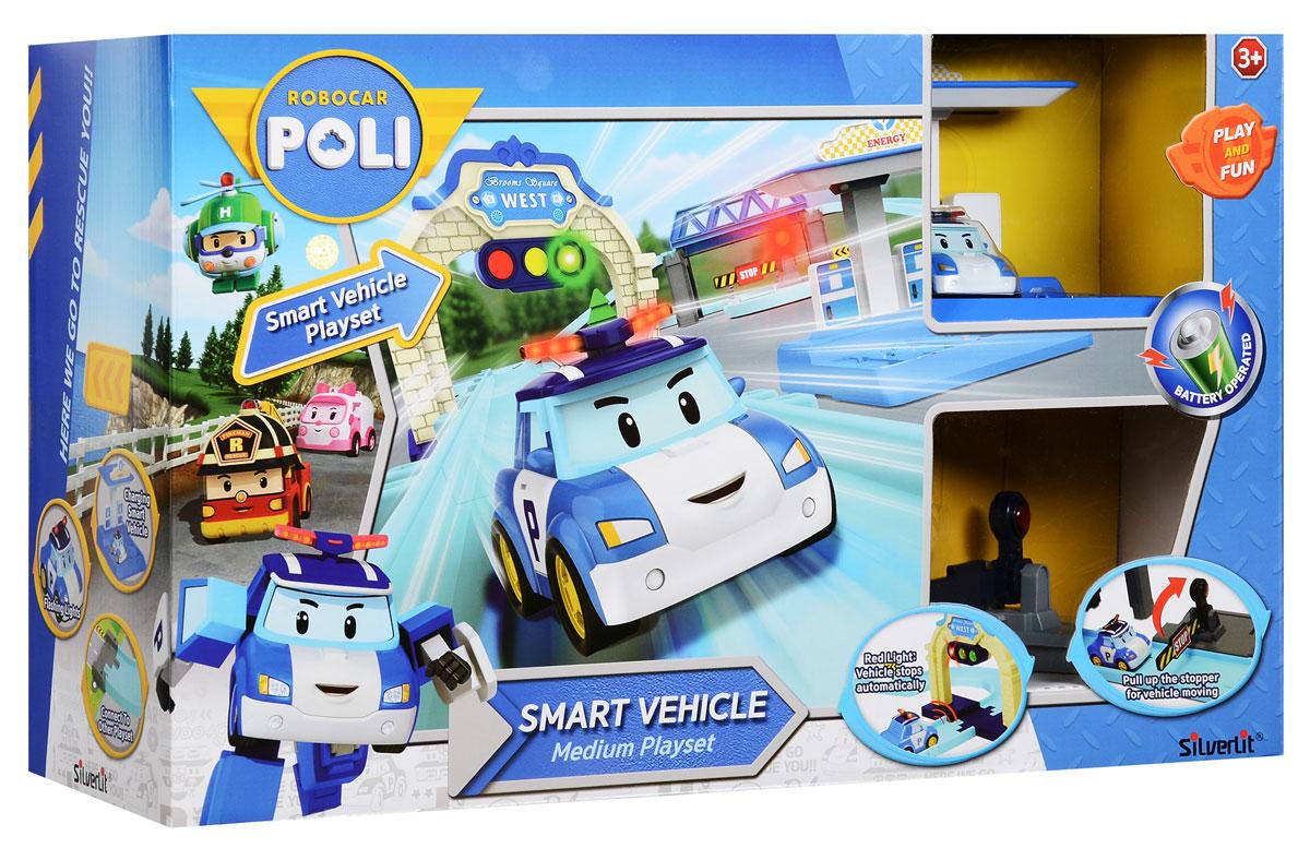 """Игровой набор Robocar Poli """"Средний трек"""" позволит вашему малышу погрузиться в мир Робокара Поли, прокатиться по улицам городка Брум и прийти на помощь жителям в разных ситуациях и происшествиях. В этом наборе есть трек, зарядная станция для умных машинок, светофор, мост, шлагбаум, коннекторы для соединения с другими наборами, умная машинка Поли. Умная машинка со встроенным аккумулятором автоматически останавливается в 5 см от препятствия. При движении машинки ее мигалка светится. Машинка реагирует на работу светофора, останавливается на красный свет, и самостоятельно продолжает движение при появлении зеленого света. Набор можно соединить с другими наборами этой серии, значительно расширив поле игры. Заселив город другими персонажами-автомобилями, малыш сделает жизнь этого тихого городка поистине нескучной! Для работы шлагбаума необходимы 2 батарейки типа ААА (не входят в комплект). Для работы зарядной станции необходимы 3 батарейки типа АА (не входят..."""