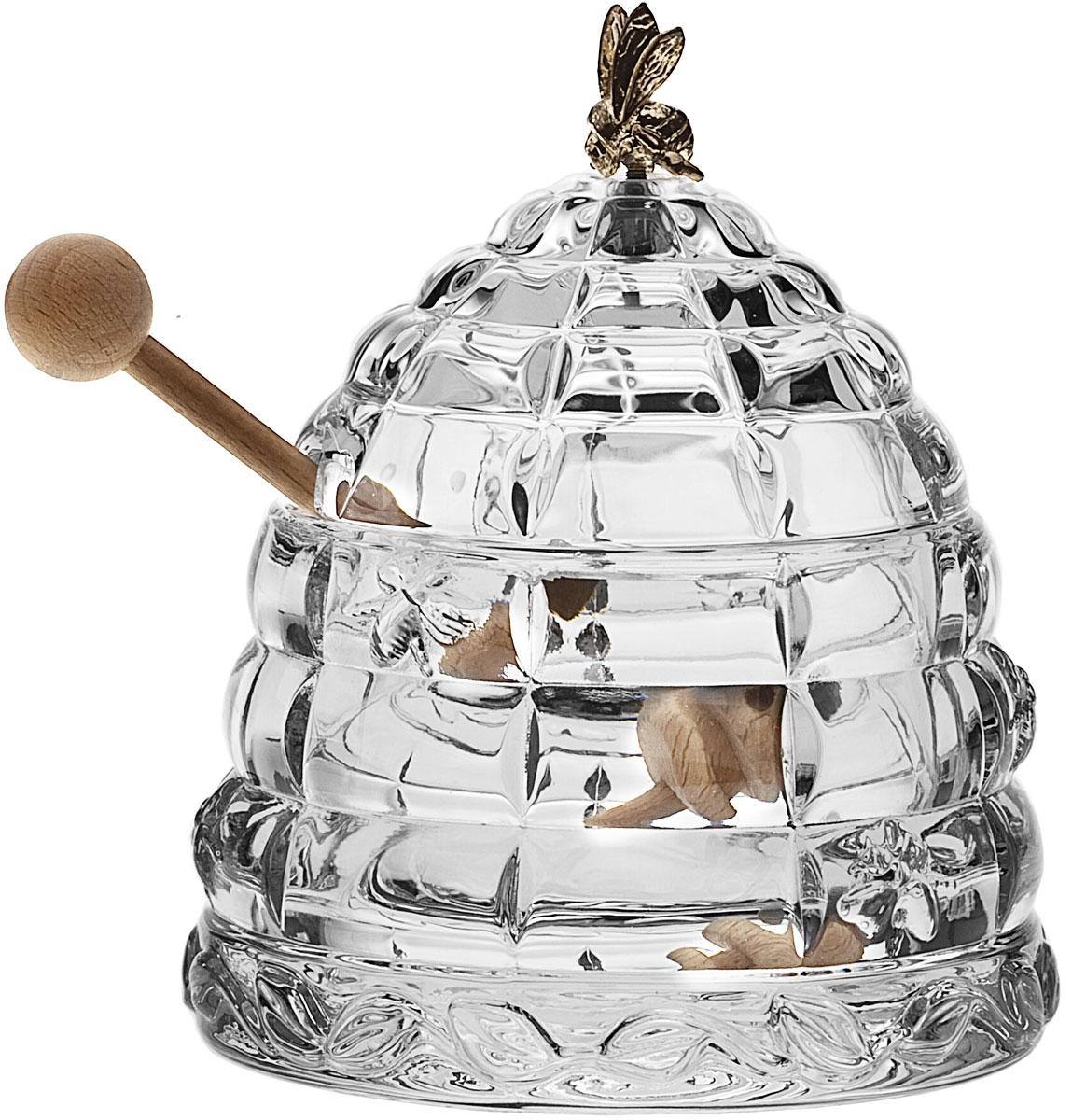 Доза для меда Crystal Bohemia Улей с пчелкой, с ложкой, 300 мл115610Доза для меда Crystal Bohemia Улей с пчелкой изготовлена из высококачественного хрусталя. Доза выполнена в форме улья и оснащена крышкой с металлической фигуркой пчелы. В комплекте - деревянная ложка для меда. Изделие прекрасно впишется в интерьер вашего дома и станет достойным дополнением к кухонному инвентарю. Доза подчеркнет прекрасный вкус хозяйки и станет отличным подарком.Размер дозы (без учета крышки): 11 см х 11 см х 7,5 см. Длина ложечки: 15 см.Объем дозы: 300 мл.