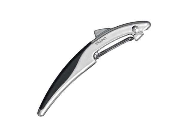 Овощечистка с плавающим лезвием, матовый хром, NADOBA, серия UNDINA. 721313721313Цинковый сплав с матовым хромированием. Высококачественная нержавеющая сталь. TPR-покрытие на рукоятках не позволяет выскальзывать инструментам. Гарантия 5 лет.