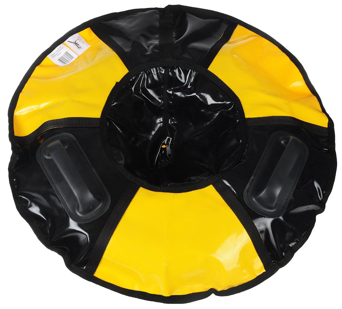 Санки надувные Мегабайк Реактор, цвет: черный, желтый, диаметр 95 смSJT-105TTЛюбимая детская зимняя забава - это кататься с горки. Надувные санки Реактор - это отличный вариант для тех, кто любит весело проводить время на свежем воздухе.Надувные санки Реактор - это оригинальные круглые санки с простым дизайном, использованием износостойких материалов и комплектацией, достаточной для регулярного катания.Санки оборудованы плотной лентой для удобной буксировки. Две литые ручки приклеенные к чехлу санок особым клеем, который используется при производстве надувных лодок.Диаметр в накаченном состоянии: 95 см.Длина буксировочного троса: 1,2 м.Используемые камеры: R-16.Рекомендованное давление 0.08 Атм.УВАЖАЕМЫЕ КЛИЕНТЫ!Просим обратить ваше внимание на тот факт, что санки поставляются в сдутом виде и надуваются при помощи насоса (насос не входит в комплект).