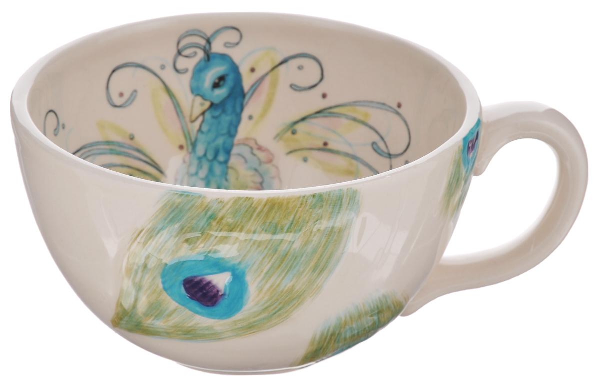 Кружка Fitz and Floyd Павлин, цвет: белый, бирюзовый, зеленый, 450 мл115510Кружка Fitz and Floyd Павлин изготовлена из высококачественной керамики и декорирована изображением павлина. Такая кружка прекрасно подойдет для горячих и холодных напитков. Она дополнит коллекцию вашей кухонной посуды и будет служить долгие годы. Можно мыть в посудомоечной машине и СВЧ. Объем кружки: 450 мл. Диаметр кружки (по верхнему краю): 12,5 см. Высота стенки кружки: 7,3 см.