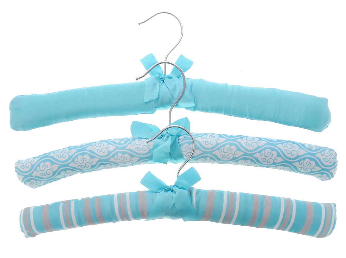 Набор вешалок для одежды El Casa, 3 шт. 150003CLP446Набор El Casa, изготовленный из дерева, поролона и сатина, состоит из трех вешалок. Он идеально подойдет для деликатной одежды из шерсти и нежных тканей. Набор El Casa станет практичным и полезным в вашем гардеробе. С ним ваша одежда избежит ненужных растяжек и провисаний. Комплектация: 3 шт.Размер вешалки (ВхДхШ): 11 см х 38 см х 3,5 см.