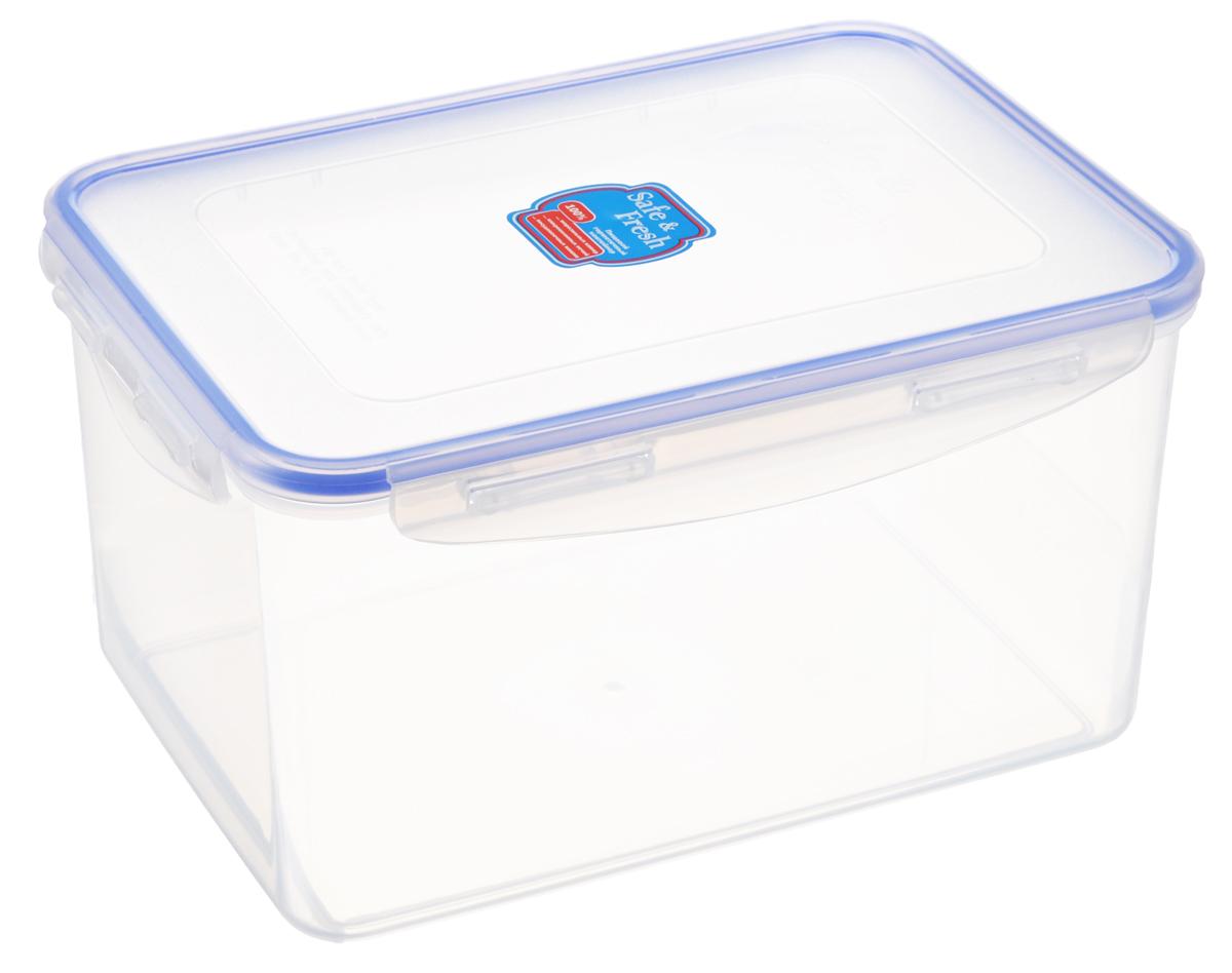 Контейнер пищевой Tek-a-Tek Safe & Fresh, цвет: прозрачный, синий, 3,1 лVT-1520(SR)Пищевой контейнер Tek-a-Tek Safe & Fresh выполнен из высококачественного пластика, устойчивого к высоким температурам. Контейнер предназначен для хранения продуктов питания, а также для замораживания и размораживания в микроволновой печи. Изделие оснащено четырехсторонними петлями-замками и силиконовой прокладкой на внутренней стороне крышки, что позволяет сохранять герметичность.Изделие абсолютно нетоксично при любом температурном режиме. Можно использовать в посудомоечной машине до +120°С, в микроволновой печи (без крышки), в морозильной камере -40°С.