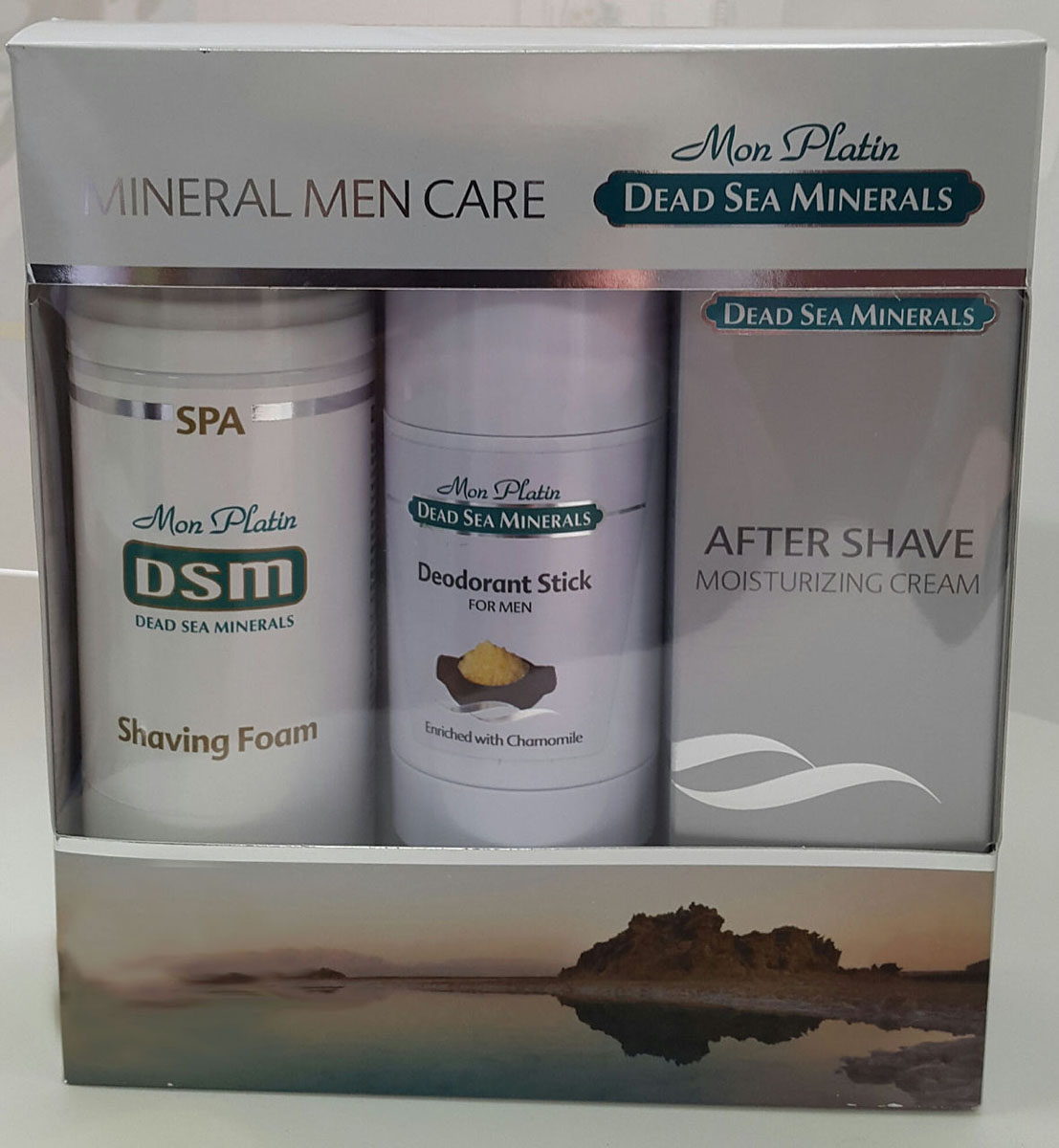 Mon Platin DSM Подарочный набор для мужчин для лица (Увлажняющая эмульсия после бритья 150 мл, Пена для бритья 250 мл, Дезодорант для мужчин 80 мл )1301210Подарочный набор для мужчин Mon Platin серии Dead Sea Minerals, включает в себя пену для бритья 250 мл, увлажняющую эмульсию после бритья 150 мл и дезодорант для мужчин 80 мл.Пена для бритья обеспечивает легкий и качественный процесс бритья, надолго сохраняя кожу лица гладкой и чистой. Пена не вызывает раздражения и аллергии. Пена насыщена Минералами (26 минералов) и солью Мертвого моря, что благоприятно влияет на питание и увлажнение кожи, обладает омолаживающим и регенерирующим эффектом.Увлажняющая эмульсия после бритья отличается деликатным воздействием: она смягчает, расслабляет кожу и предотвращает появление раздражения на ней. Бальзам после бритья прекрасно подходит для ежедневного применения.Дезодорант для мужчин эффективно нейтрализует неприятные запахи, не забивает поры, создает ощущение свежести в течение всего дня, не оставляет следов на одежде. Обладает приятным терпким ароматом. Содержит минералы и соль Мертвого моря, что благоприятно влияет на состояние кожи.