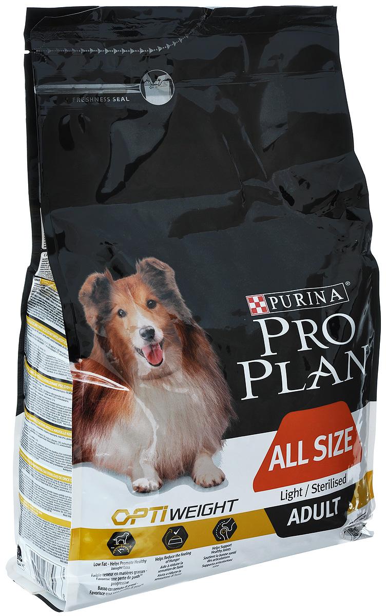 Корм сухой Pro Plan Optiweight для склонных к избыточному весу и стерилизованных взрослых собак всех пород, с курицей и рисом, 3 кг0120710Корм сухой Pro Plan Optiweight - полнорационный корм для склонных к избыточному весу и/или стерилизованных взрослых собак всех пород. Ожирение может привести к серьезным проблемам со здоровьем. Корм со специально разработанным комплексом Optiweight способствует снижению веса без вреда для здоровья. Доказана эффективность этого комплекса в здоровом снижении веса благодаря высокому содержанию белков, пониженному содержанию жиров и достаточному количеству клетчатки. При этом аппетит собаки лучше контролируется, сохраняя мышечную массу и поддерживая здоровье суставов.Состав: сухой белок птицы, пшеница, кукуруза, курица (14%), сухая мякоть свеклы, продукты переработки растительного сырья, кукурузная мука, рис (4%), глютен, вкусоароматическая кормовая добавка, рыбий жир, минеральные вещества, животный жир, витамины, антиоксиданты.Добавленные вещества: МЕ/кг: витамин A: 25 000; витамин D3: 810; витамин E: 550; мг/кг: витамин C: 120; железо: 80; йод: 2,0; медь: 12; марганец: 38; цинк: 152; селен: 0,13.Гарантируемые показатели: белок: 27,0%; жир: 9,0%; сырая зола: 7,0%; сырая клетчатка: 3,0%.Вес: 3 кг.Товар сертифицирован.