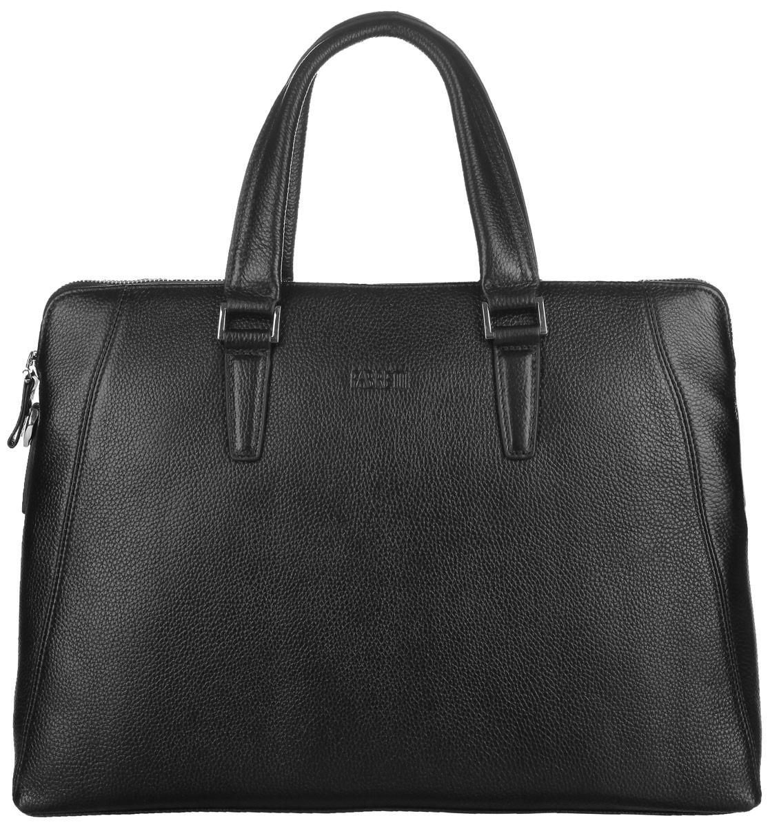 Сумка мужская Fabretti, цвет: черный. YFB001101248Стильная мужская сумка Fabretti выполнена из натуральной кожи с зернистой фактурой, оформлена металлической фурнитурой и символикой бренда.Изделие закрывается на металлическую застежку-молнию, содержит одно основное отделение. Внутри сумки расположен мягкий карман для планшета с хлястиком на липучке, два накладных кармана, два фиксатора для ручек и врезной карман на застежке-молнии. Снаружи, на тыльной стенке сумки, расположен врезной карман на застежке-молнии. Изделие дополнено двумя практичными ручками и съемным плечевым ремнем, длина которого регулируется при помощи пряжки.Стильная и практичная мужская сумка Fabretti дополнит ваш деловой стиль.