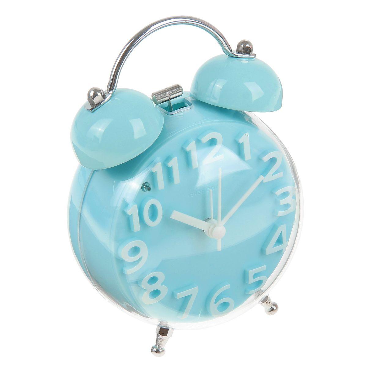Часы-будильник Sima-land, цвет: голубой. 911447VT-6602(W)Как же сложно иногда вставать вовремя! Всегда так хочется поспать еще хотя бы 5 минут и бывает, что мы просыпаем. Теперь этого не случится! Яркий, оригинальный будильник Sima-land поможет вам всегда вставать в нужное время и успевать везде и всюду.Корпус будильника выполнен из пластика. Циферблат имеет индикацию белыми арабскими цифрами. Часы снабжены 4 стрелками (секундная, минутная, часовая и для будильника). На задней панели будильника расположена кнопка включения/выключения механизма, а также два колесика для настройки текущего времени и времени звонка будильника. Также будильник оснащен кнопкой, при нажатии которой подсвечивается циферблат.Пользоваться будильником очень легко: нужно всего лишь поставить батарейку, настроить точное время и установить время звонка. Необходимо докупить 1 батарейку типа АА (не входит в комплект).