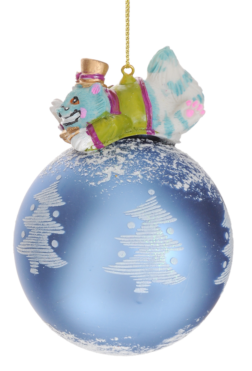 Новогоднее подвесное украшение Феникс-Презент Чеширский кот, диаметр 8 см38646Новогоднее украшение Феникс-Презент Чеширский кот отлично подойдет для декорации вашего дома и новогодней ели. Изделие, выполненное из стекла в виде елочного шара, оснащено сказочной фигуркой кота, изготовленной из полирезина. Изделие, декорированное блестками, оснащено текстильной петелькой для подвешивания.Елочная игрушка - символ Нового года. Она несет в себе волшебство и красоту праздника. Создайте в своем доме атмосферу веселья и радости, украшая всей семьей новогоднюю елку нарядными игрушками, которые будут из года в год накапливать теплоту воспоминаний.Коллекция декоративных украшений из серии Magic Time принесет в ваш дом ни с чем не сравнимое ощущение волшебства!Размер изделия (с учетом фигурки): 11 см х 8 см х 8 см.