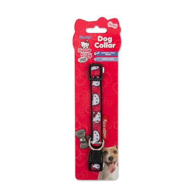 Ошейник для собак Hello Kitty, ширина 1,2 см, длина ошейника 29 см0120710Ошейник для собак Hello Kitty изготовлен из нейлона и декорирован оригинальным рисунком. Такой ошейник очень мягкий и гладкий. Он не будет царапать кожу или вытирать шерсть, поэтому подойдет даже для маленьких щенков. Крепление ошейника выполнено из пластика, а кольцо - из металла.Одно из преимуществ нейлоновых ошейников - это их эстетичный внешний вид. Яркий ошейник Hello Kitty станет украшением для вашей собаки. Ширина ошейника: 1,2 см. Длина ошейника: 29 см.