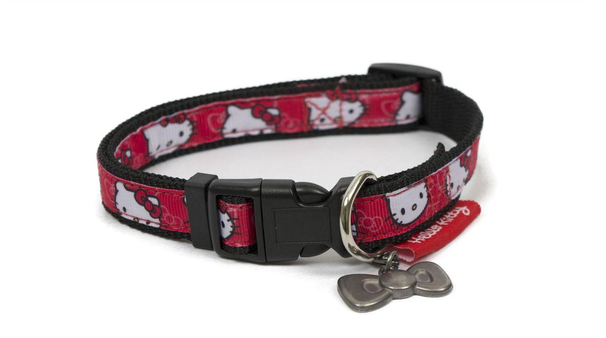 Ошейник для собак Hello Kitty, ширина 2 см, длина ошейника 40 см0120710Ошейник для собак Hello Kitty изготовлен из нейлона и декорирован оригинальным рисунком. Такой ошейник очень мягкий и гладкий. Он не будет царапать кожу или вытирать шерсть, поэтому подойдет даже для маленьких щенков. Крепление ошейника выполнено из пластика, а кольцо - из металла.Одно из преимуществ нейлоновых ошейников - это их эстетичный внешний вид. Яркий ошейник Hello Kitty станет украшением для вашей собаки. Ширина ошейника: 2 см. Длина ошейника: 40 см.