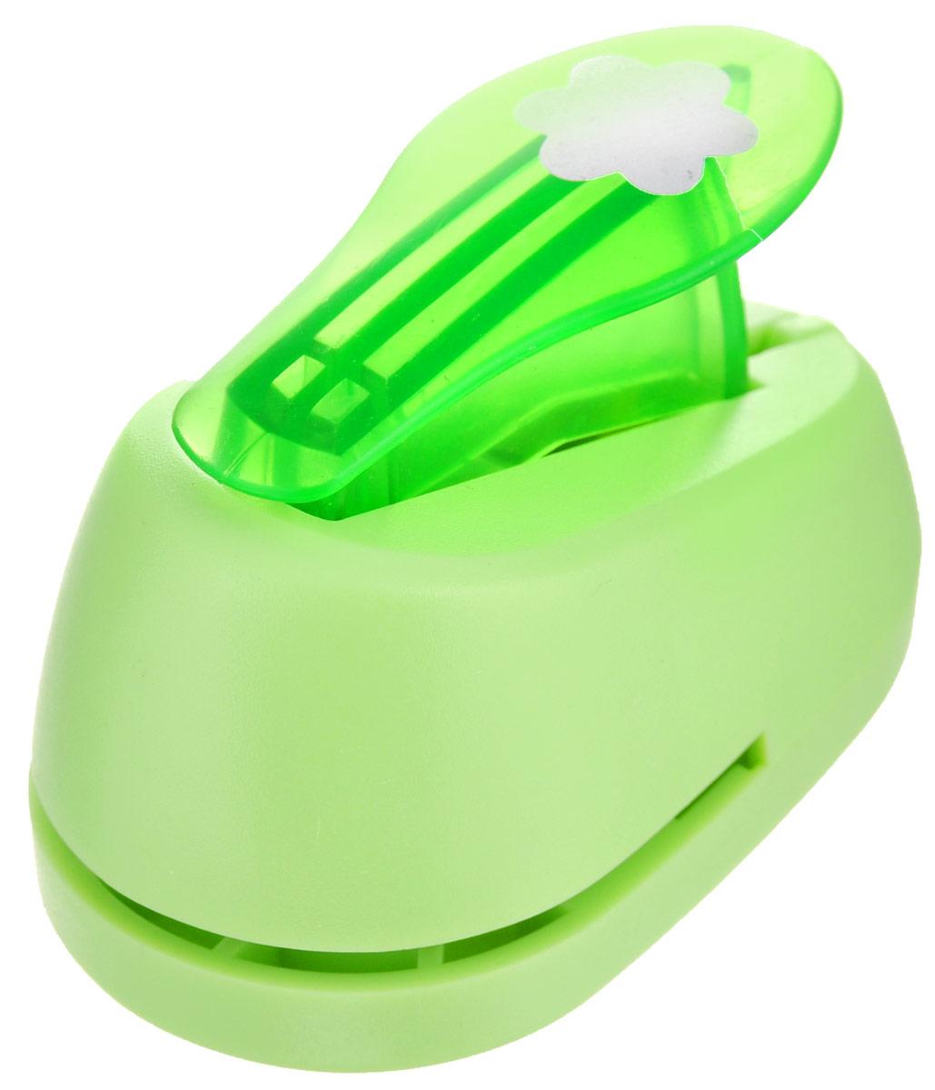 Дырокол фигурный Hobbyboom Цветок, №3, цвет: зеленый, 1,8 смFS-00897Фигурный дырокол Hobbyboom Цветок предназначен для создания творческихработ в технике скрапбукинг. С его помощью можно оригинально оформитьоткрытки, украсить подарочные коробки, конверты, фотоальбомы. Дырокол вырезает из бумаги идеально ровные фигурки в виде цветов. Предназначен для бумаги определенной плотности - до 200 г/м2. При применениина бумаге большей плотности или на картоне дырокол быстро затупится. Чтобызаточить нож компостера, нужно прокомпостировать самую тонкую наждачку.Чтобы смазать режущий механизм - парафинированную бумагу. Порядок работы: вставьте лист бумаги или картона в дырокол и надавите рычаг.Диаметр готовой фигурки: 1,8 см.