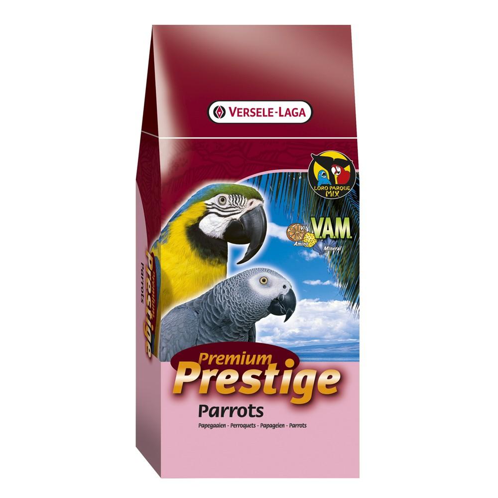 Корм Versele-Laga Prestige Premium Parrots, для крупных попугаев, 15 кг422000VERSELE-LAGA корм для крупных попугаев ПРЕМИУМ Parrots 15 кг.Смесь для попугаев Prestige Parrots Premium – это обогащенная зерновая смесь с дополнительными питательными веществами, которые необходимы попугаям для поддержания хорошей кондиции. Эта смесь состоит из отобранных семян и дополнительно обогащена Витаминами, Аминокислотами и Минералами, добавляемыми в экстудированные гранулы Maxi VAM. Кроме этого, вкусные гранулы Maxi VAM содержат Флорастимул, гарантирующий хорошую работу кишечника и превосходную кондицию. Молотый панцирь устриц обеспечивает правильное функционирование мускульного желудка и баланс кальция/фосфора. Смесь Крупные попугаи Премиум - Parrots Premium обогащена: витаминами К, Б1, Б2, Б6, Б12, С, ПП, фолиевой кислотой, биотином и холином.Минералами: натрием, магнием и калием. Микроэлементами: железом, медью, марганцем, цинком, йодом и селеном. Вес упаковки: 15 кг.