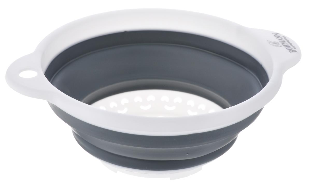 Дуршлаг Bohmann, цвет: белый, серый, диаметр 18 см115510Складной дуршлаг Bohmann станет полезным приобретением для вашей кухни. Он изготовлен из высококачественного пищевого силикона и пластика. Оснащен 2 ручками. Прекрасно подходит для процеживания, ополаскивания и стекания макарон, овощей, фруктов. Дуршлаг компактно складывается, что делает его удобным для хранения. Внутренний диаметр: 18 см.Размер дуршлага (с учетом ручек): 23,5 см х 19,5 см.Минимальная высота дуршлага: 3,5 см.Максимальная высота дуршлага: 8,5 см.