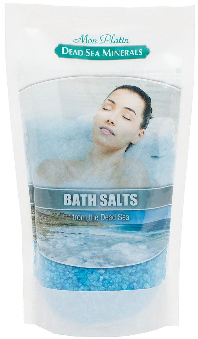 Mon Platin DSM Натуральная Соль Мёртвого моря с ароматическими маслами (голубая) 500 г.FS-00897Натуральная соль Мертвого моря с ароматическими маслами содержит единственный в мире минеральный состав, который благоприятно влияет как на кожу, так и на состояние организма в целом. Практически все элементы таблицы Менделеева представлены в составе соли Мертвого моря. Высокая концентрация магния, калия, кальция, брома, йода оказывают общеукрепляющее действие. Способствует регенерации кожи, делает её более упругой и улучшает тургор, улучшает кровообращение, укрепляет стенки сосудов, заживляет раны, активно участвует в обменных процессах. Натуральные масла розы, жасмина, лемонграсса и сосны, входящие в состав соли, смягчают, увлажняют, тонизируют и питают кожу, снимают усталость и стресс.