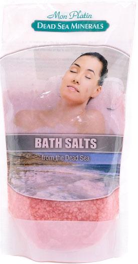 Mon Platin DSM Натуральная Соль Мёртвого моря с ароматическими маслами (красная) 500 г.FS-00897Натуральная соль Мертвого моря с ароматическими маслами содержит единственный в мире минеральный состав, который благоприятно влияет как на кожу, так и на состояние организма в целом. Практически все элементы таблицы Менделеева представлены в составе соли Мертвого моря. Высокая концентрация магния, калия, кальция, брома, йода оказывают общеукрепляющее действие. Способствует регенерации кожи, делает её более упругой и улучшает тургор, улучшает кровообращение, укрепляет стенки сосудов, заживляет раны, активно участвует в обменных процессах. Натуральные масла розы, жасмина, лемонграсса и сосны, входящие в состав соли, смягчают, увлажняют, тонизируют и питают кожу, снимают усталость и стресс.