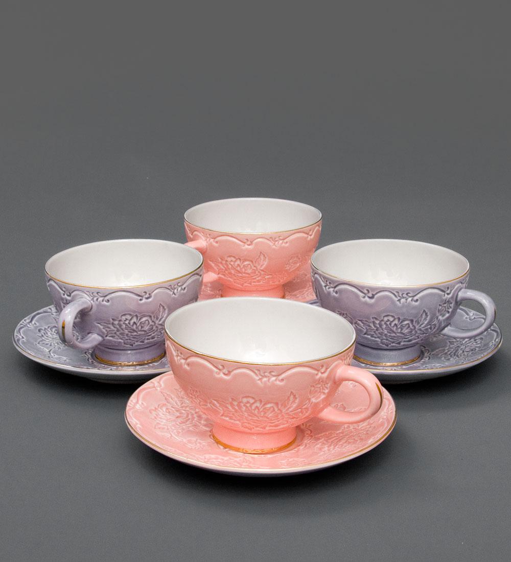 Набор чайный Pavone Дольче Луиза, 8 предметов115510Чайный набор Pavone Дольче Луиза выполнен из высококачественного фарфора и украшен изящным рисунком. В набор входит 4 чашки и 4 блюдца. Изящный дизайн и красочность оформления придутся по вкусу и ценителям классики, и тем, кто предпочитает современный стиль. Чайный набор - идеальный и необходимый подарок для вашего дома и для ваших друзей в праздники, юбилеи и торжества. Он также станет отличным корпоративным подарком и украшением любой кухни. Набор упакован в подарочную коробку. Такой чайный набор станет прекрасным украшением стола, а процесс чаепития превратится в одно удовольствие. Объем чашки: 200 мл. Диаметр чашки (по верхнему краю): 8,5 см. Высота чашки: 7,5 см. Диаметр блюдца: 15 см.
