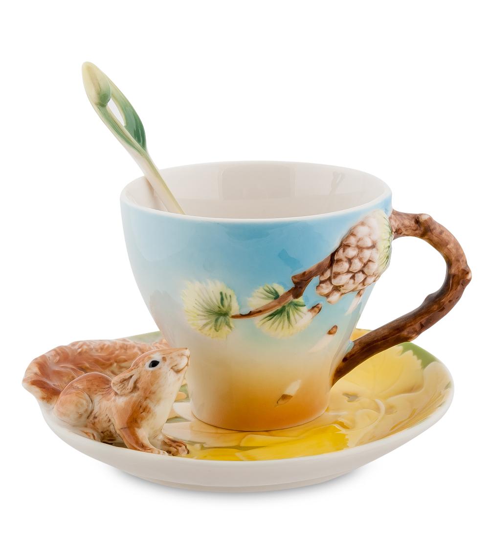 Чайная пара Pavone Белочка, 3 предмета54 009312Чайная пара Pavone Белочка состоит из чашки, блюдца и ложечки,изготовленных из фарфора. Предметы набора оформленыизящными объемной белкой.Чайная пара Pavone Белочка украсит ваш кухонный стол, а такжестанет замечательным подарком друзьям и близким.Изделие упаковано в подарочную коробку с атласной подложкой.