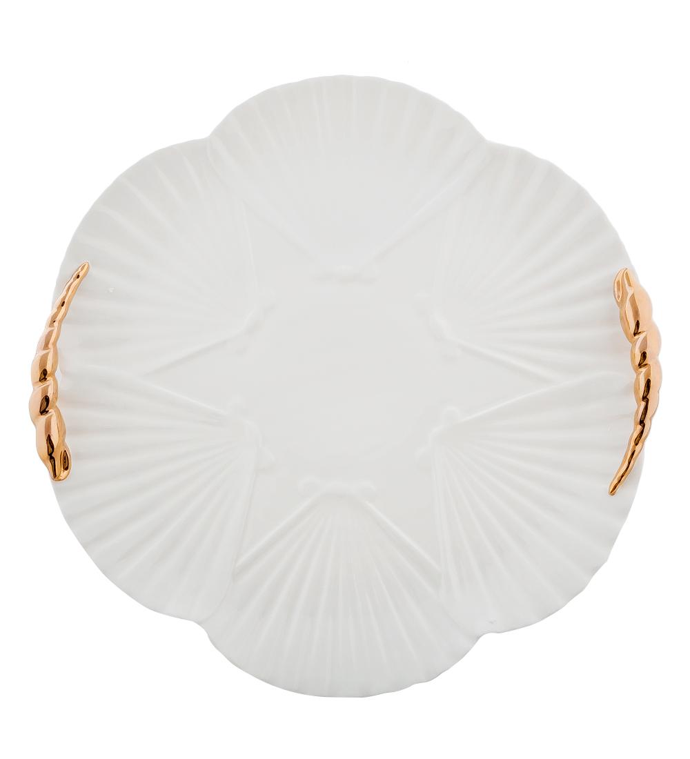 Блюдо Pavone Морская ракушка, диаметр 35 смVT-1520(SR)Блюдо Pavone Морская ракушка выполнено из фарфора и имеет рельефную поверхность. Блюдо Pavone Морская ракушка украсит ваш кухонный стол, а такжестанет замечательным подарком друзьям и близким.