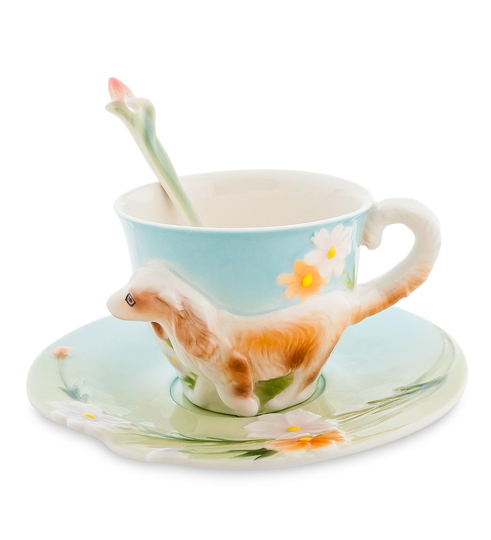 Набор чайный Pavone Спаниель, 3 предмета115510Чайный набор Pavone Спаниель изготовлен из высококачественного фарфора. Набор состоит из чашки, блюдца и чайной ложки. Изделия имеют необычный дизайн, который придется по вкусу ценителям классики и тем кто предпочитает современный стиль. Изящный набор эффектно украсит стол к чаепитию и порадует вас функциональностью и ярким дизайном.Объем кружки: 150 мл.Высота кружки: 6 см.Диаметр блюдца: 15 см.