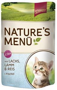 Консервы для котят Шмуси лосось с ягненком70019Шмуси натура - это полноценная еда для кошек и котов с множеством натуральных ингредиентов. Корм Шмуси богат содержанием отборного мяса, потому что кошки - это настоящие хищники и нуждаются в пище, богатой белками. В этих пакетикахх маленькие кусочки мяса залиты деликатным соусом. Кроме отборного мяса в корм добавлен лососёвый жир, богатый жирными кислотами Омега-3, которые необходимы для правильного развития здорового котёнка. Также добавлен таурин для правильного развития скелета и нервной системы кошек. Состав: Отборное мясо, ягнёнок, лосось, лёгкие, печень, мясные субпродукты, рис, лососёвый жир, минеральные вещества. Условия хранения: комнатная температура в закрытом виде, после вскрытия до 2 дней в холодильнике.Особенности: Натуральные компоненты; Без сои, красителей, ароматизаторов, костной муки; Без консервантов