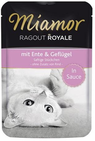 Консервы для кошек Миамор Утка с птицей74072Миамор королевское рагу - это нежные кусочки, приготовленные в деликатесном соусе. Производятся по особой щадящей технологии для сохранения витаминов с высокой долей мяса домашних животных. Миамор - это полноценный повседневный корм для кошек и котов, который очень легко усваивается. Не содержит сои, красителей и ароматизаторов, за то содержит множество полезных веществ, например магний, который необходим для здоровья кошек. Условия хранения: комнатная температура в закрытом виде, после вскрытия до 2 дней в холодильнике.Особенности: Натуральные компоненты; Без сои, красителей, ароматизаторов, костной муки; Без консервантов