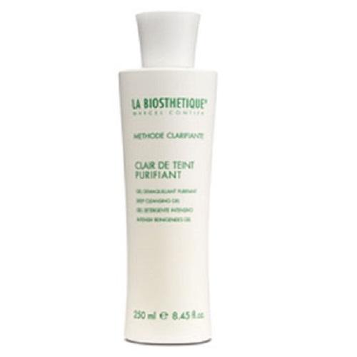 LaBiosthetique Освежающий очищающий гель Methode Clarifiante, 250 млFS-00897Гель комплексно ухаживает за проблемной кожей: мягко снимает макияж, загрязнения и удаляет лишний жир, не пересушивая и не раздражая кожу. Основным компонентом средства является Молочная кислота, которая улучшает процессы регенерации и обновления кожи, отшелушивает омертвевшие клетки, очищает и сужает поры, предупреждает возникновение акне и рубцов, нормализует работу сальных желез и регулирует ее РН. В состав геля, так же, входит Глицерин, обладающий хорошей способностью вытягивать влагу из воздуха, и тем самым насыщать ею кожу. В результате, она хорошо смягчается, матируется, становится гладкой и эластичной, пропадают угри и красные пятна, цвет лица становится свежим и здоровым.