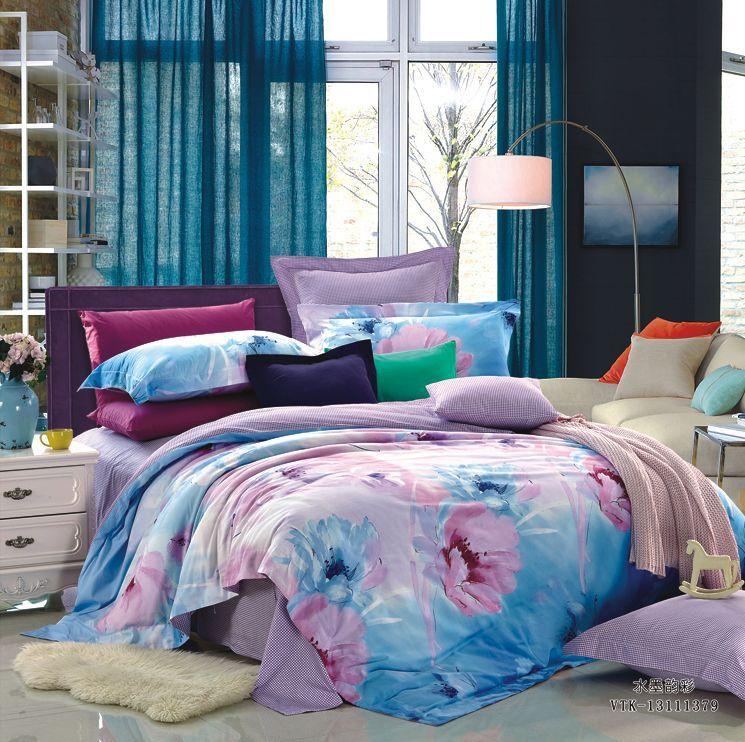 Комплект белья La Vanille, евро, наволочки 70х70, цвет: глициния, розовый, голубой. 639FA-5125 WhiteКомплект постельного белья La Vanille, выполненный из поплина, состоит из пододеяльника, простыни и двух наволочек. Постельное белье оформлено красочным рисунком и имеет изысканный внешний вид. Поплин - представляет собой ткань с характерным репсовым эффектом, которая создается путем чередования тонких и толстых нитей. В ней содержатся и натуральные, и синтетические волокна, за счет чего готовая материя приобретает матовый, дорогой блеск.