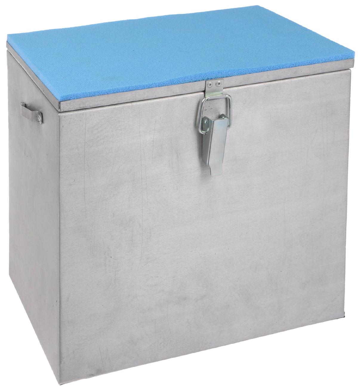 Ящик рыболова Рост, алюминиевый, 30 см х 19 см х 29 см. 244626733Прочный и надежный ящик Рост, выполненный из высококачественного алюминия, сможет не один год прослужить любителю зимней рыбалки для транспортировки снастей и улова. Служащая сиденьем верхняя часть крышки оклеена плотным теплоизолятором - пенополиэтиленом с рифленой поверхностью. Боковые стенки емкости снабжены петлями для крепления идущего в комплекте плечевого ремня.