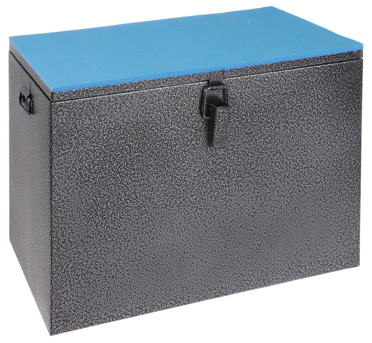 Ящик рыболова Рост, окрашенный, 40 см х 19 см х 29 см26729Прочный и надежный ящик Рост сможет не один год прослужить любителю зимней рыбалки для транспортировки снастей и улова. Корпус изготовлен из листовой окрашенной стали. Служащая сиденьем верхняя часть крышки оклеена плотным теплоизолятором - пенополиэтиленом с рифленой поверхностью. Внутренний объем ящика разделен перегородкой, придающей конструкции дополнительную жесткость. Боковые стенки емкости снабжены петлями для крепления идущего в комплекте плечевого ремня.