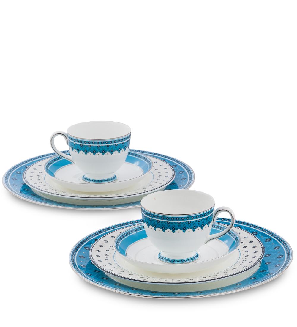 Набор столовой посуды Pavone Византия, цвет: белый, голубой, 8 предметов54 009312Набор Pavone Византия состоит из 2 обеденных тарелок, 2 десертных тарелок, 2 чашек и 2 блюдец. Изделия выполнены из фарфора и оформленыоригинальным орнаментом. Посуда отличается прочностью, гигиеничностью и долгим сроком службы, она устойчива к появлению царапин и резким перепадам температур. Такой набор прекрасно подойдет как для повседневного использования, так и для праздников или особенных случаев. Набор столовой посуды Pavone Византия - это не только яркий и полезный подарок для родных иблизких, это также великолепное дизайнерское решение для вашей кухни илистоловой. Диаметр обеденной тарелки: 21 см х 21 см. Высота обеденной тарелки: 1 см.Диаметр десертной тарелки: 27 см х 27 см. Высота десертной тарелки: 1 см.Диаметр чашки по верхнему краю: 8,5 см.Высота чашки: 7 см.Диаметр блюдца: 15,5 см.