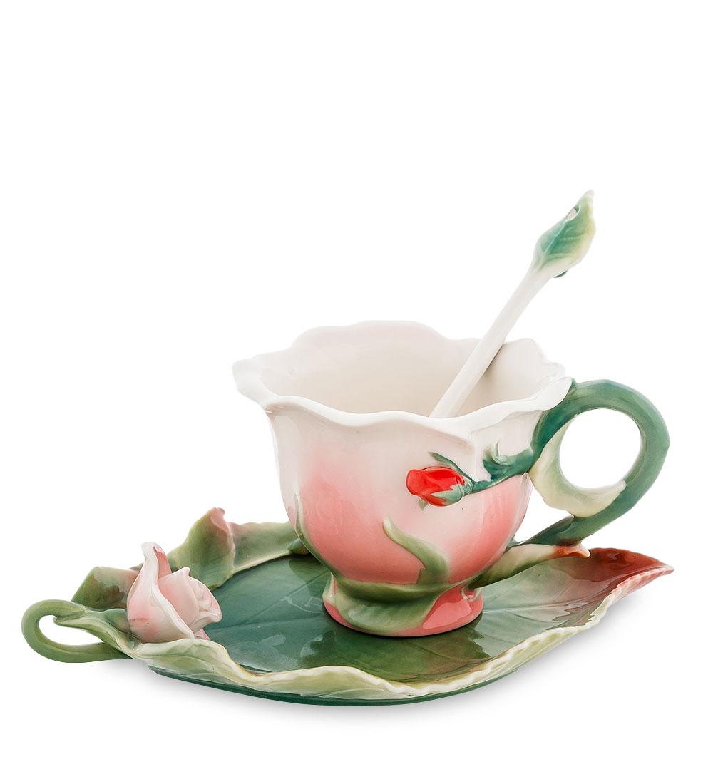 Чайная пара Pavone Роза, цвет: розовый, зеленый, 3 предметаVT-1520(SR)Чайная пара Pavone Роза состоит из чашки, блюдца и ложечки,изготовленных из фарфора. Предметы набора оформленыизящными объемными цветами.Чайная пара Pavone Роза украсит ваш кухонный стол, а такжестанет замечательным подарком друзьям и близким.Изделие упаковано в подарочную коробку с атласной подложкой. Объем чашки: 100 мл.Диаметр чашки по верхнему краю: 9 см.Высота чашки: 6,5 см.Размеры блюдца (без учета высоты декоративного элемента): 17,5 см х 11 см х 1,5 см.Длина ложки: 13 см.