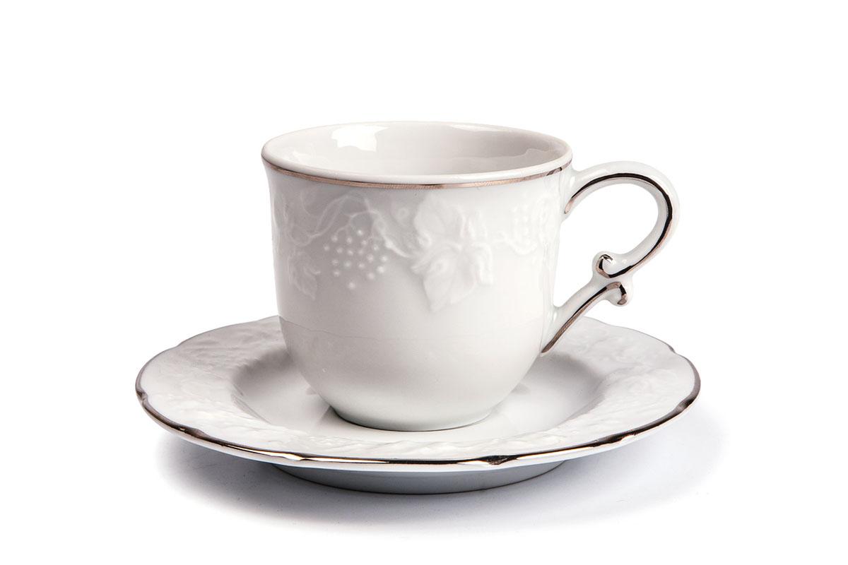 Набор чайный Yves De La Rosiere Vendanges, цвет: белый, серебристый, 12 предметовVT-1520(SR)Чайный набор Yves De La Rosiere Vendanges состоит из шести чашек и шестиблюдец, оформленных рельефным рисунком. Предметы набора изготовлены из высококачественного фарфора. Изящный дизайн придется по вкусу и ценителям классики, и тем, ктопредпочитает утонченность и изысканность. Он настроит на праздничный лад иподарит хорошее настроение с самого утра. Чайный набор - идеальный и необходимый подарок для вашего дома и для вашихдрузей в праздники, юбилеи и торжества! Он также станет отличнымкорпоративным подарком и украшением любой кухни. Объем чашки: 200 мл. Диаметр чашки (по верхнему краю): 8 см.Высота чашки: 7 см.Диаметр блюдца: 15 см.Высота блюдца: 1,7 см.