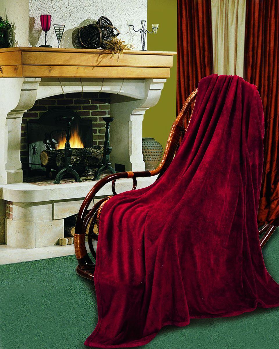 Покрывало флисовое Диана, цвет: бордо, 150 х 200 см4630003364517Изящное покрывало Диана, выполненное из корал флиса (100% полиэстер), гармонично впишется в интерьер вашего дома и создаст атмосферу уюта и комфорта. Корал флис имеет фактуру велюра, ткань приятная на ощупь, мягкая и слегка пушистая, но при этом очень легкая, хорошо сохраняет тепло, устойчива к стирке и износу. Благодаря мягкой и приятной текстуре, глубоким и насыщенным цветам, такое покрывало станет модной, практичной и уютной деталью вашего интерьера. Покрывало согреет в прохладную погоду и будет превосходно дополнять интерьер вашей спальни. Высочайшее качество материала гарантирует безопасность не только взрослых, но и самых маленьких членов семьи.Покрывало может подчеркнуть любой стиль интерьера, задать ему нужный тон - от игривого до ностальгического. Покрывало - это такой подарок, который будет всегда актуален, особенно для ваших родных и близких, ведь вы дарите им частичку своего тепла!