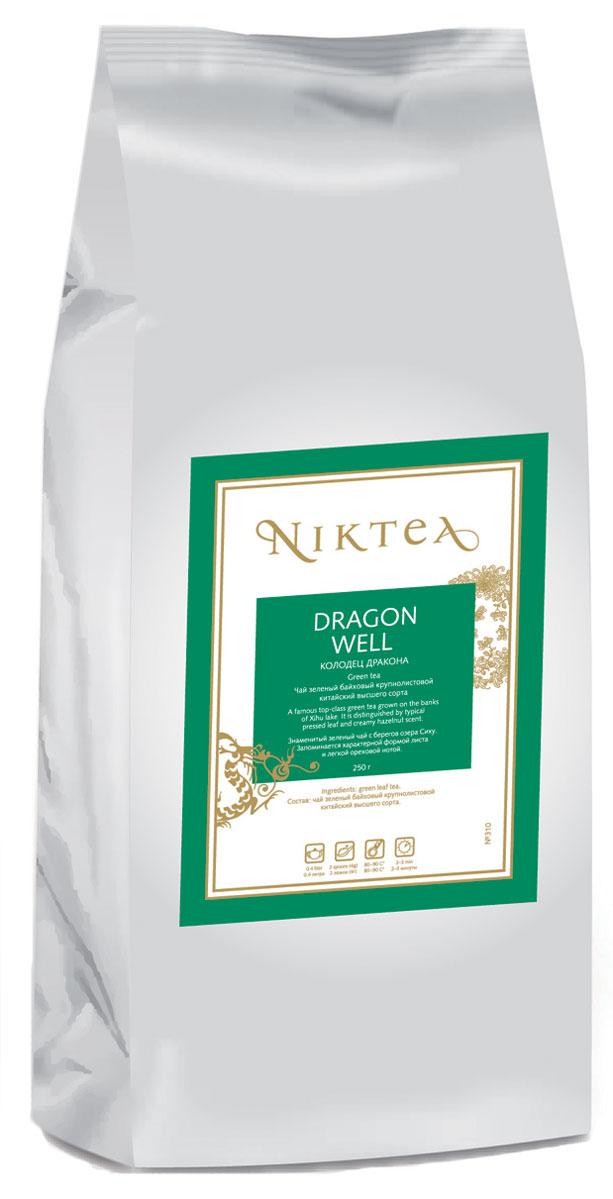 Niktea Dragon Well зеленый листовой чай, 250 г0120710Niktea Dragon Well - знаменитый зеленый чай с берегов озера Сиху. Запоминается характерной формой листа и легкой ореховой нотой.NikTea следует правилу качество чая - это отражение качества жизни и гарантирует:Тщательно подобранные рецептуры в коллекции топовых позиций-бестселлеров.Контролируемое производство и сертификацию по международным стандартам.Закупку сырья у надежных поставщиков в главных чаеводческих районах, а также в основных центрах тимэйкерской традиции - Германии и Голландии.Постоянство качества по строго утвержденным стандартам.NikTea - это два вида фасовки - линейки листового и пакетированного чая в удобной технологичной и информативной упаковке. Чай обладает многофункциональным вкусоароматическим профилем и подходит для любого типа кухни, при этом постоянно осуществляет оптимизацию базовой коллекции в соответствии с новыми тенденциями чайного рынка.Листовая коллекция NikTea представлена в герметичной фольгированной упаковке, которая эффективно предохраняет чай от воздействия света, влаги и посторонних запахов, обеспечивая длительное хранение. Каждая упаковка снабжена этикеткой с подробным описанием чая, его состава, а также способа заваривания.