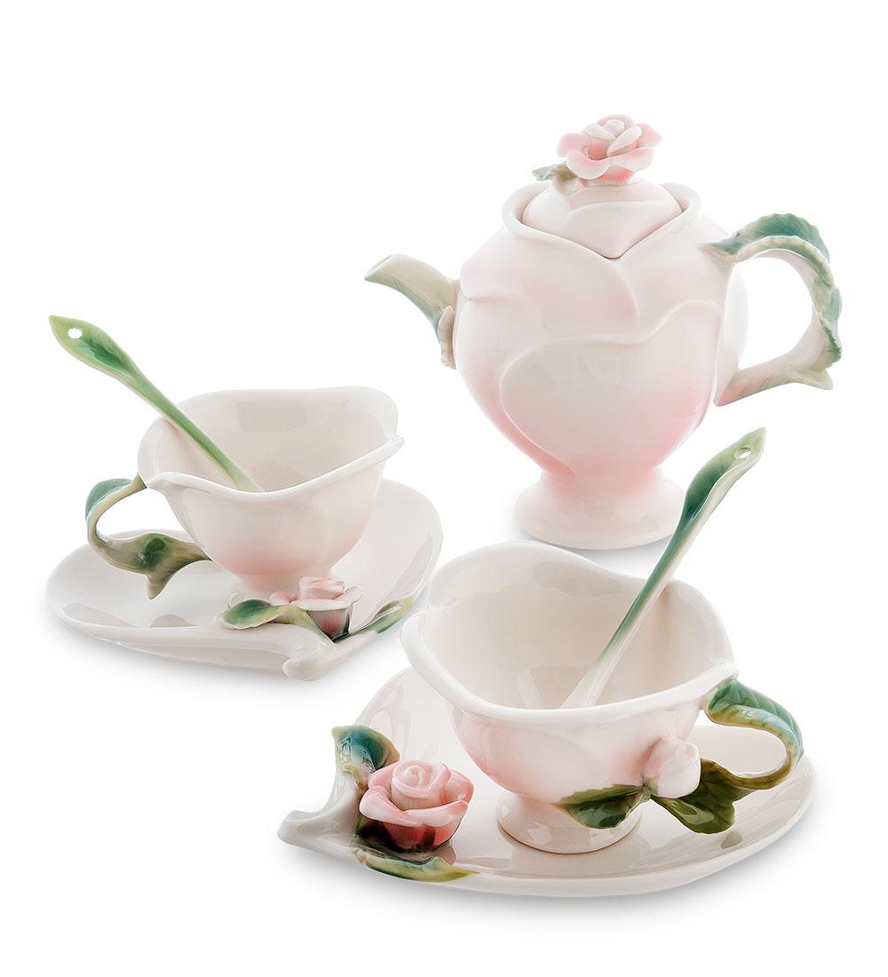 Чайный набор Pavone Роза, цвет: розовый, зеленый, 7 предметовH3765Чайный набор Pavone Роза состоит из 2 чашек, 2 блюдец, 2 ложечек и заварочного чайника. Предметы изготовлены из фарфора и оформленыизящными объемными цветами.Чайный набор Pavone Роза украсит ваш кухонный стол, а такжестанет замечательным подарком друзьям и близким.Изделие упаковано в подарочную коробку с атласной подложкой. Объем чашки: 60 мл.Диаметр чашки по верхнему краю: 7 см.Высота чашки: 5,5 см.Размеры блюдца (без учета высота декоративного элемента): 12 см х 12 см х 1,5 см.Длина ложки: 10,5 см. Объем заварочного чайника: 250 мл. Диаметр заварочного чайника по верхнему краю: 8,5 см.Размеры отверстия заварочного чайника: 4 см х 2,5 см.Высота заварочного чайника (без учета крышки): 10 см.