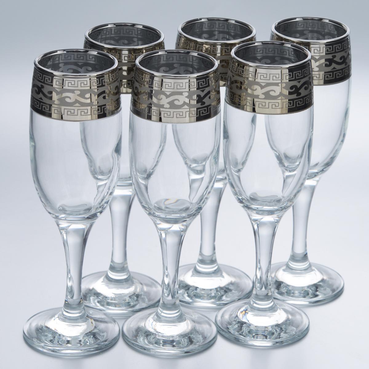 Набор бокалов Гусь-Хрустальный Версаче, 190 мл, 6 штVT-1520(SR)Набор Гусь-Хрустальный Версаче состоит из 6 бокалов на длинных ножках, изготовленных из высококачественного натрий-кальций-силикатного стекла. Изделия оформлены красивым зеркальным покрытием и оригинальной широкой окантовкой с оригинальным узором. Такой набор прекрасно дополнит праздничный стол и станет желанным подарком в любом доме. Разрешается мыть в посудомоечной машине. Диаметр бокала (по верхнему краю): 5 см. Высота бокала: 18,8 см. Диаметр основания бокала: 6,3 см.