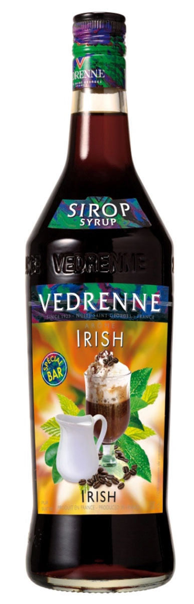 Vedrenne Айриш Крим сироп, 1 л0120710Сироп Vedrenne Ирландский крем придется по душе поклонникам пикантных вкусов. Данный продукт характеризуется очаровательным ароматом с тонами темного шоколада, карамели, кофе и ненавязчивым мотивом ирландского виски. Во вкусе сиропа вы различите превосходные оттенки сливок, пралине, меда и орехов, которые развиваются на фоне ярких шоколадных нот. Благодаря оптимальному содержанию сахара, французский сироп Vedrenne Ирландский крем имеет приятную тягучую структуру, что позволяет использовать его в качестве украшения для различных сладких блюд и кондитерских изделий. Особенно привлекательные вкусовые сочетания можно получить путем данного добавления сиропа в горячий кофе или молочные коктейли.Сиропы изготавливаются на основе натурального растительного сырья, фруктовых и ягодных соков прямого отжима, цитрусовых настоев, а также с использованием очищенной воды без вредных примесей, что позволяет выдержать все ценные и полезные свойства натуральных фруктово-ягодных плодов и трав. В состав сиропов входит только натуральный сахар, произведенный по традиционной технологии из сахарозы. Благодаря высокому содержанию концентрированного фруктового сока, сиропы Vedrenne обладают изысканным ароматом и натуральным вкусом, являются эффективным подсластителем при незначительной калорийности. Они оптимизируют уровень влажности и процесс кристаллизации десертов, хорошо смешиваются с другими ингредиентами и способствуют улучшению вкусовых качеств напитков и десертов.Сиропы Vedrenne разливаются в стеклянные бутылки с яркими этикетками, на которых изображен фрукт, ягода или другой ингредиент, определяющий вкусовые оттенки того или иного продукта Vedrenne. Емкости с сиропами Vedrenne герметичны, поэтому не позволяют содержимому контактировать с микроорганизмами и другими губительными внешними воздействиями. Кроме того, стеклянные бутылки выглядят оригинально и стильно.В настоящее время компания Vedrenne считается одним из лучших производителей высококла